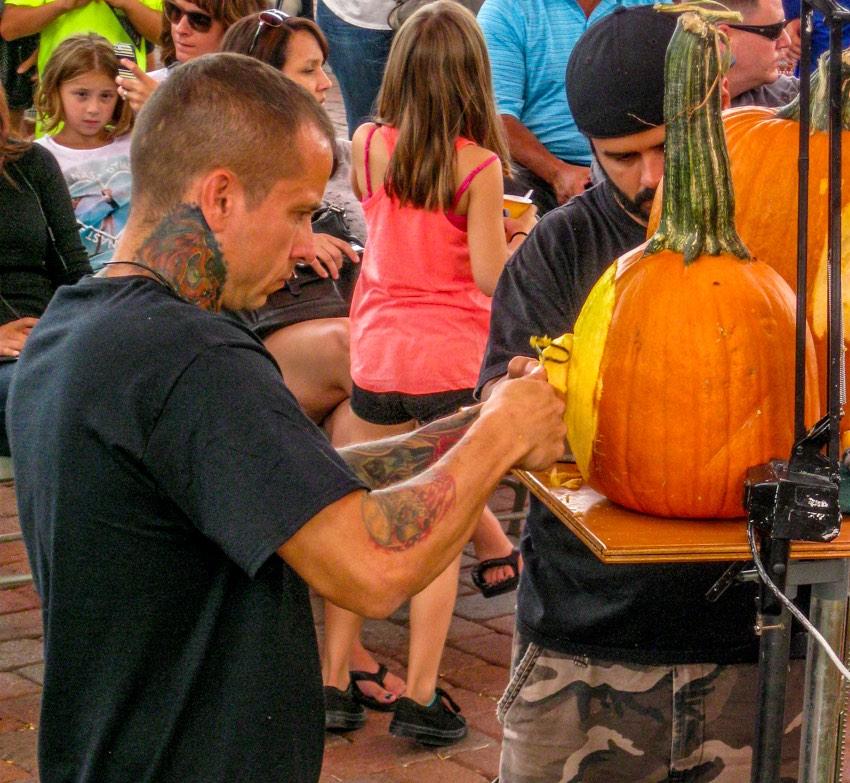 pumpkin carver Ray Villafane