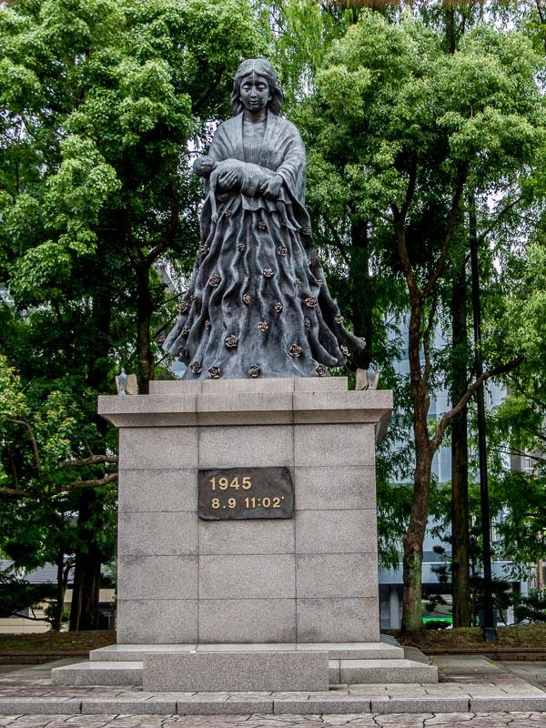 A mother's prayer for peace statue by Naoki Tominaga, Nagasaki