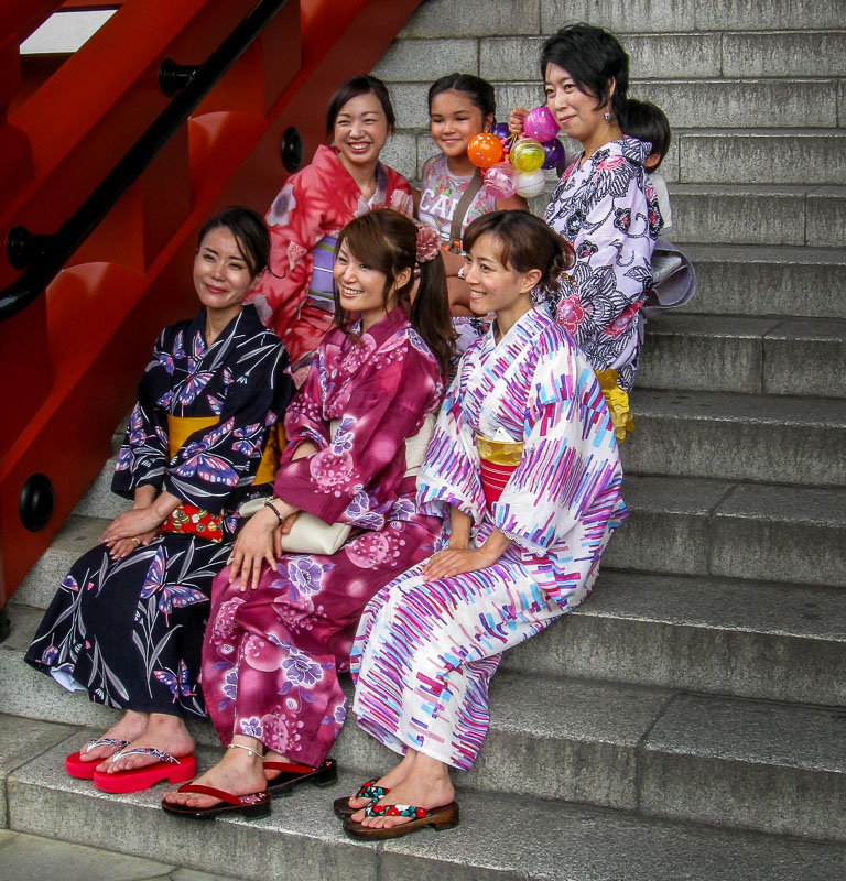 Women dressed in traditional Japanese garb, Yukatas