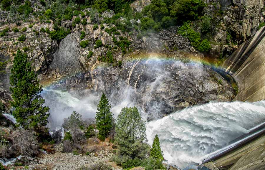 Hetch Hetchy rainbow at the dam