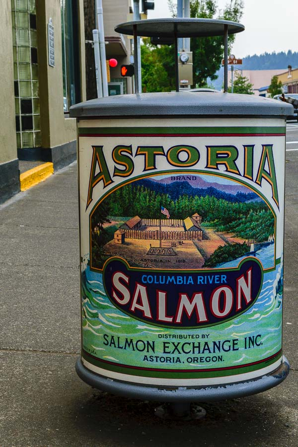 Artistic trash can depicts a historic scene