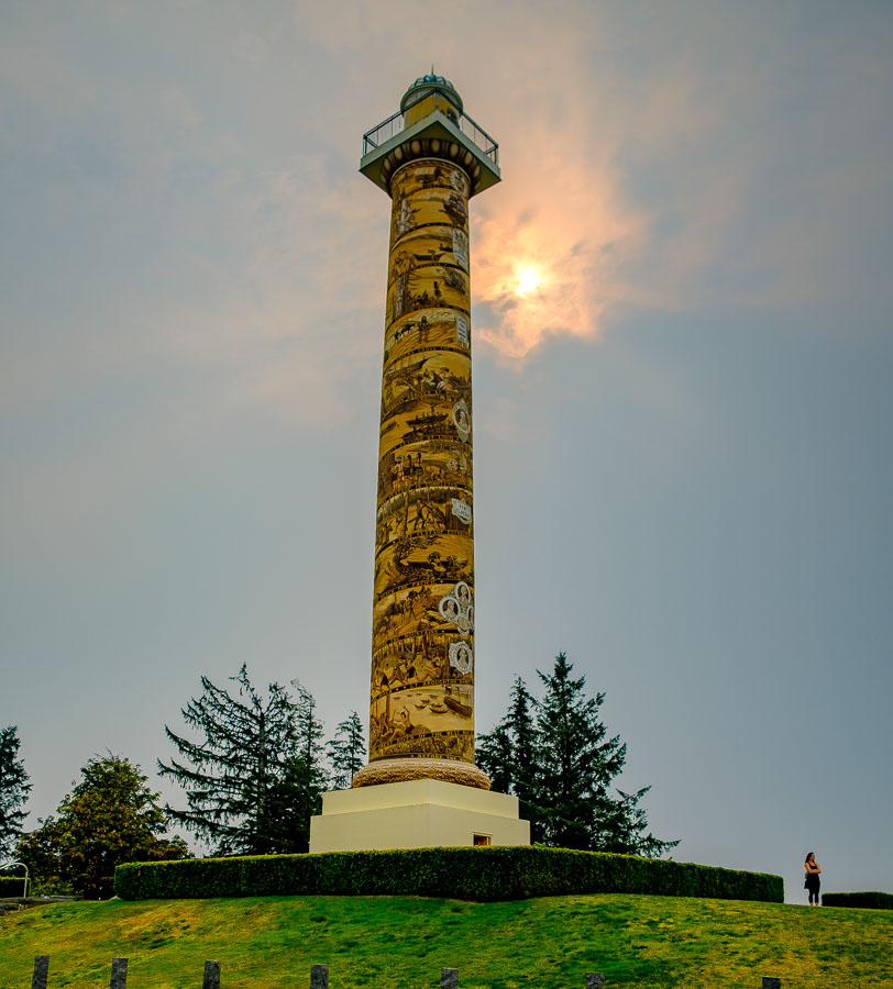 Moody sky and visitor at the Astoria Column