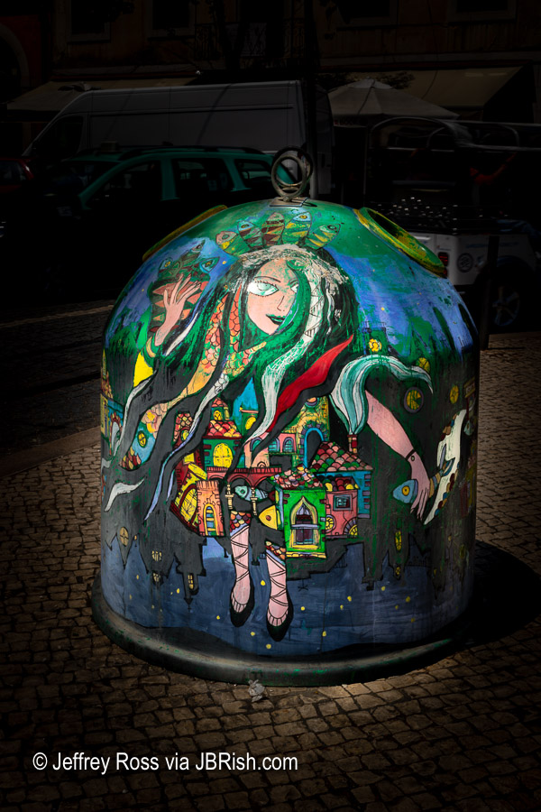 Art covered trash=recycle bins