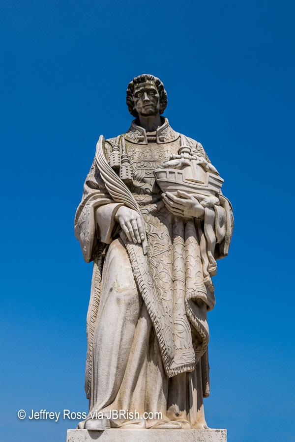 Statue of Lisbon's patron saint, Saint Vincent
