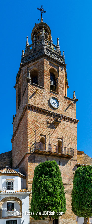 clock tower of the Church of Santa Maria la Mayor.