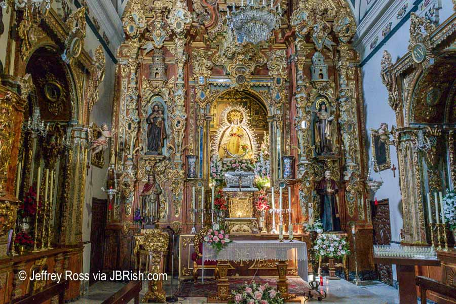 altar of the Virgen de la Paz