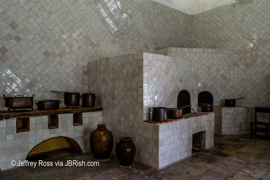 kitchen tiles and large pots