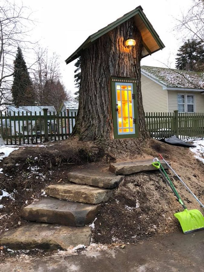 The century-old Cottonwood Stump Library