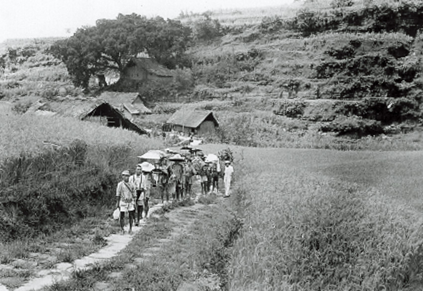 A mapping party of villagers and soldiers head out to do some reconnaissance